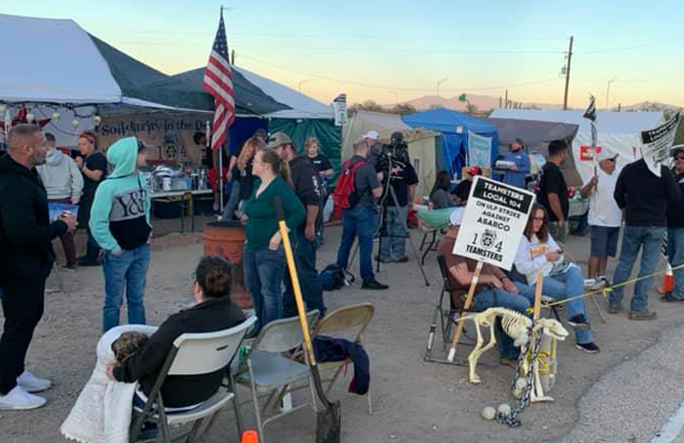 Strikers and supporters at pre-Thanksgiving dinner at Mission mine picket line near Sahuarita, Arizona, Nov. 24. Asarco is trying to break the union by hiring strikebreakers.