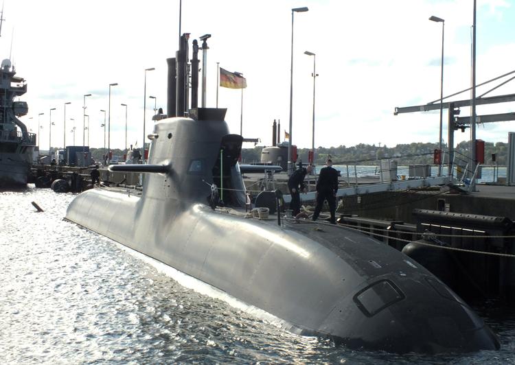 Bien que les dirigeants allemands aient la plus grande économie d'Europe, pas un seul de leurs six sous-marins n'était opérationnel en 2018. Ils ne peuvent compter que sur moins de la moitié de leurs chars d'assaut, hélicoptères et avions de chasse. L'écart entre leur puissance économique et leur puissance militaire ne survivra pas à des conflits inter-impérialistes plus profonds.