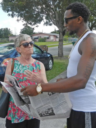 Cindy Jaquith, who was the Socialist Workers Party candidate for mayor of Miami in January 2017, talks with Robert Brooks III in West Perrine, Florida.