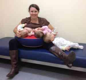 breastfeeding triplets, CHENOA TRIP1