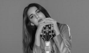 """""""Ora o mai più"""", le emozioni dell'adolescenza raccontate da Marialuna"""