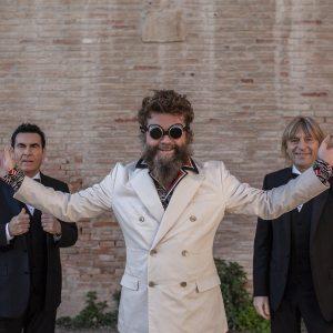 Un'altra musica italiana è possibile, la favola degli Extraliscio