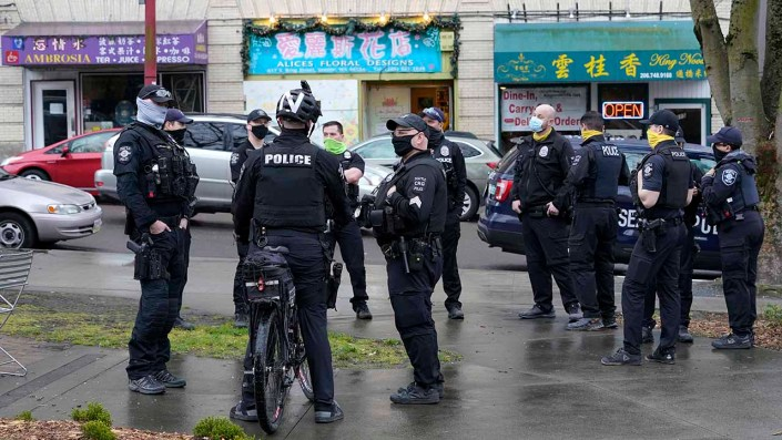 Seattle police staffing woes prompt emergency dispatch plan as vaccine mandate for officers looms