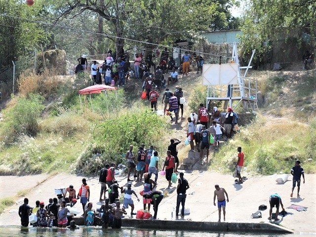 EXCLUSIVE: CBP to Report Record of Nearly 2 Million Migrants Encountered in 2021