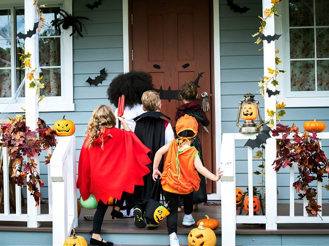 Supply Chain Issues Spook Consumers: Halloween Costumes, Decorations Hard to Find