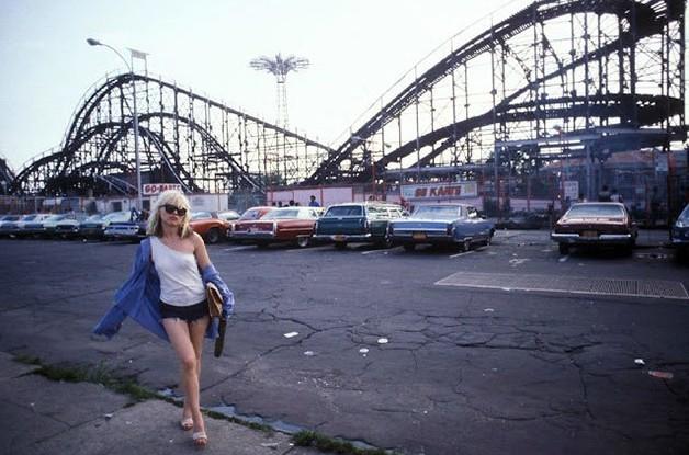 """People Always Called Me Blondie"" – 20 Pictures of Debbie Harry in the 1970s"