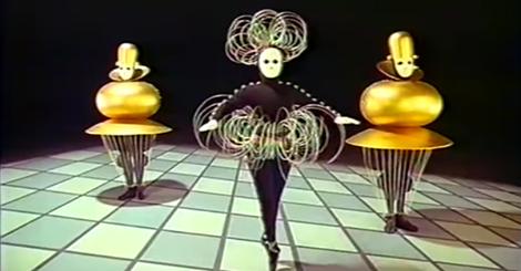 Watch Dance Meet Geometry in This 1920s German Ballet