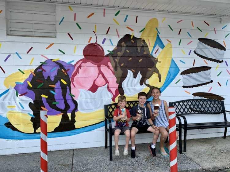 3 kids at Magic Fountain Ice Cream in Mattituck