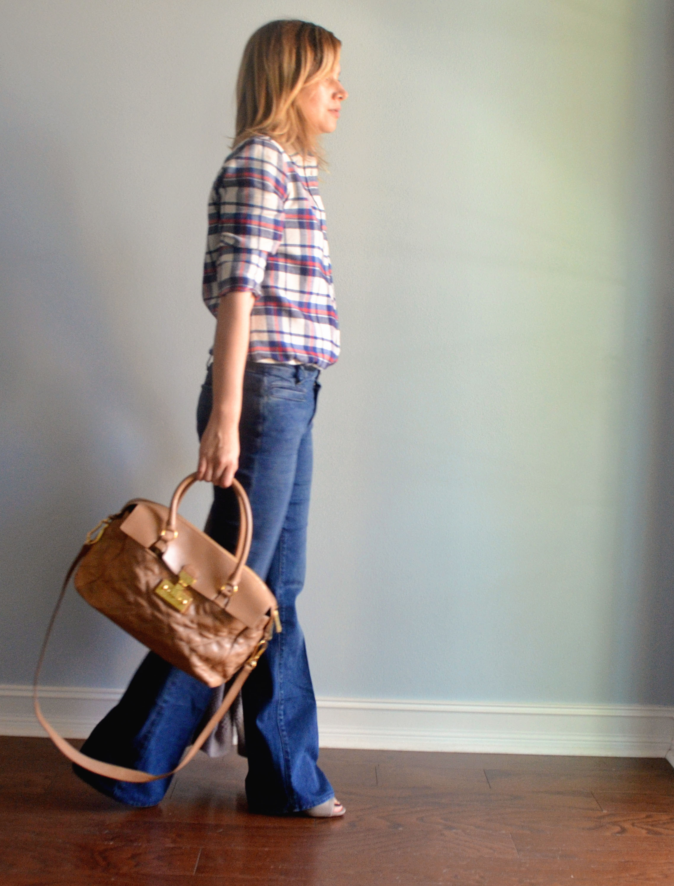 Flare Jeans for Modern Moms - The Mint Mom