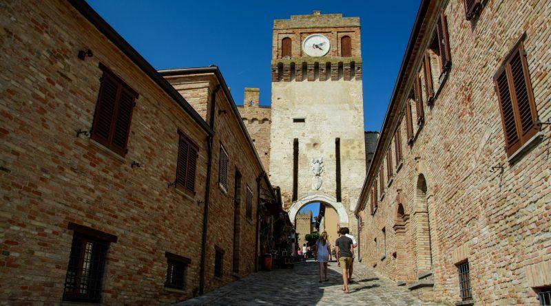 il castello di gradara - paolo e francesca - the minutes fly - web magazine