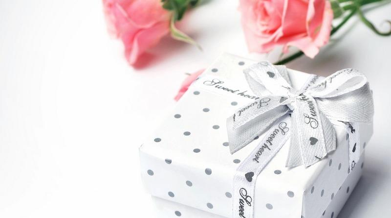pacchetto regalo - fiori - festa del papà - idee regalo