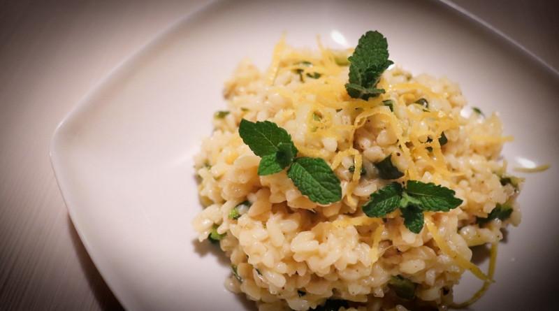 risotto con zucchine, menta e limone