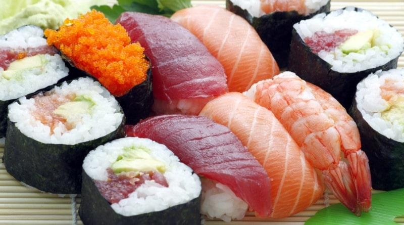 cibi-estivi-sushi-the-minutes-fly