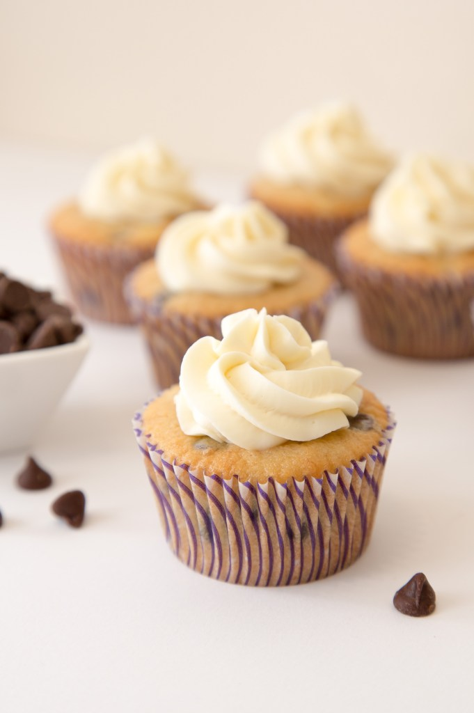Banana Chocolate Chip Cupcakes with Cream Cheese Frosting 1