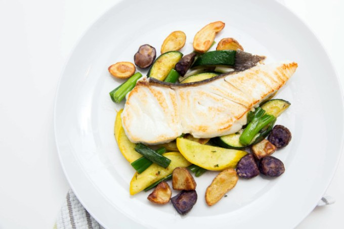 Halibut with Summer Squash and Roasted Potatoes 1| The Missing Lokness