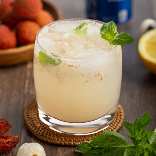 Lychee and Ginger Cooler #lychee #ginger #basil #mocktail #cocktail #summerrecipe #drink #vodka #cooler #alcohol #drinkrecipe | The Missing Lokness