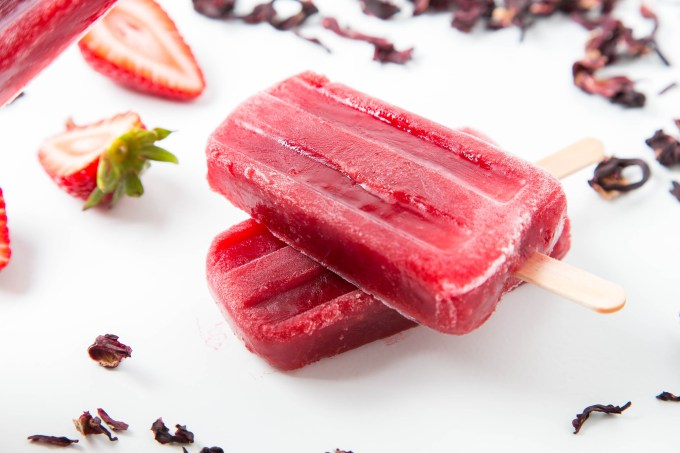 Strawberry Hibiscus Ice Pops 4| The Missing Lokness
