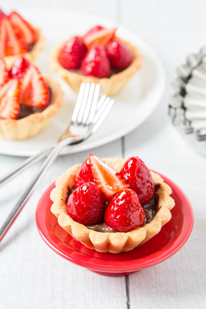 Strawberry Chocolate Tarts 6| The Missing Lokness