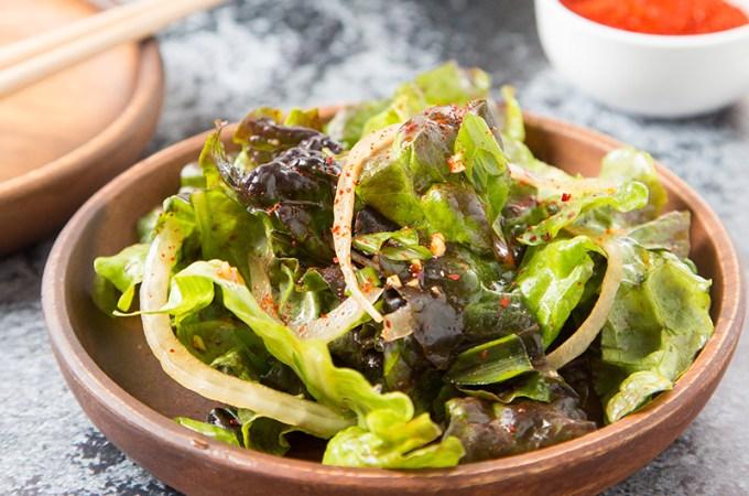 Sangchu Geotjeori (Korean Lettuce Salad)