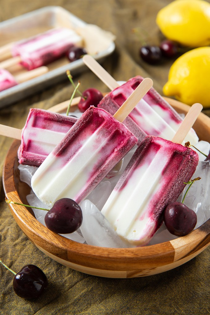 Roasted Cherry Yogurt Popsicles #popsicle #frozenyogurt #cherry #summerrecipe #frozentreat | The Missing Lokness