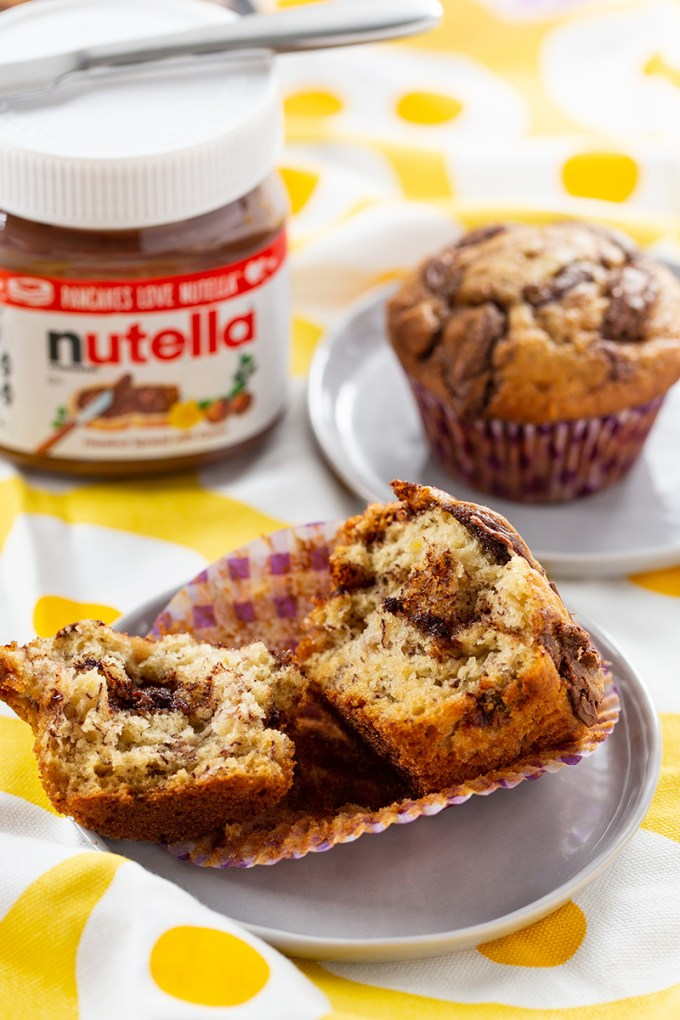 Nutella Banana Swirl Muffins #nutella #bananamuffin #muffin #baking #freezerfriendly #breakfast #breakfastrecipe | The Missing Lokness