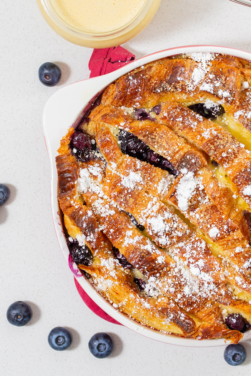Blueberry Croissant Bread Pudding #breadpudding #blueberry #croissant #croissantbreadpudding #cremeanglaise #baking #dessert #dessertrecipe | The Missing Lokness