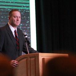 Eric Schmitt speaks at the 2018 annual Farm Bureau meeting (ALISHA SHURR/THE MISSOURI TIMES.)