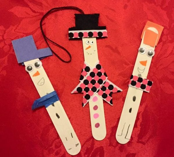 Christmas Ornaments to Make with the Kids - Popsicle Snowman Craft