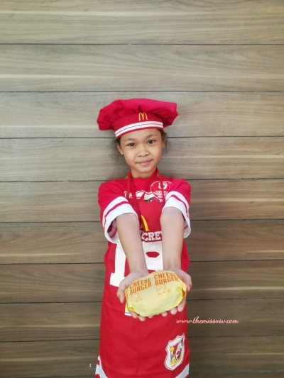 McDonald's Kiddie Crew Workshop - Making Burgers