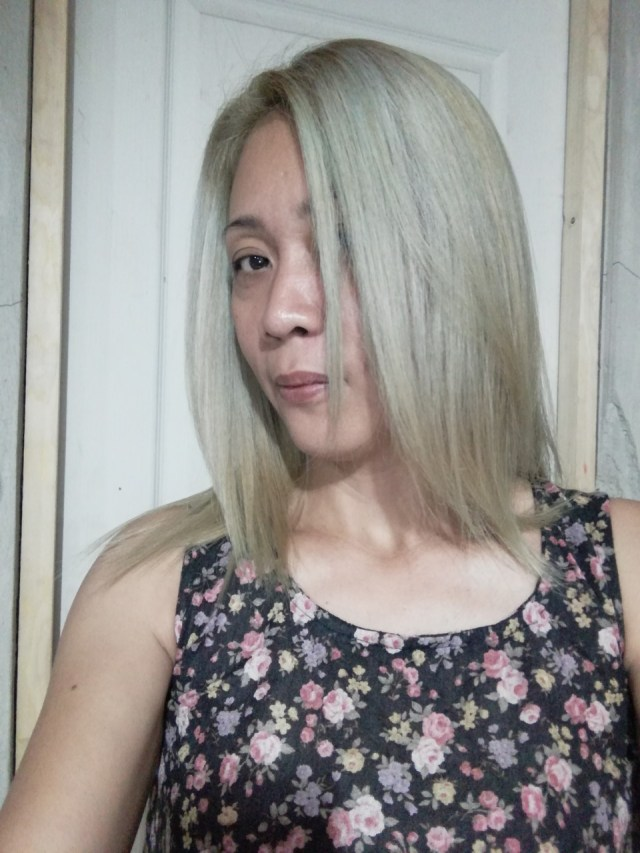 How to Dye Asian Hair White