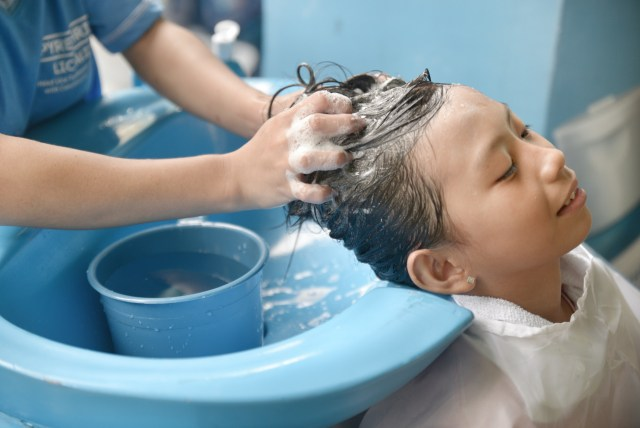 Lamoiyan Corporation's Licealiz Head Lice Treatment Shampoo rolls out Kilusang Kontra Kuto Year 4 - Shampoo