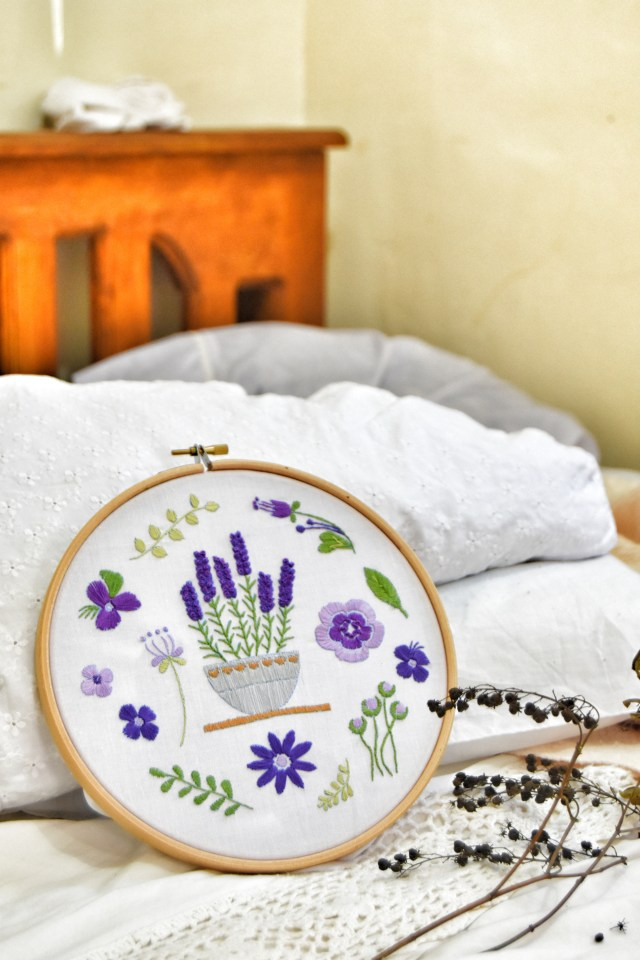 Lavender Embroidery Design-Embroidery Kit for Beginners