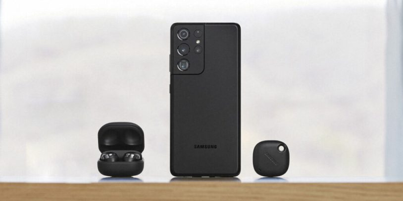 Samsung Galaxy S21 Ultra with Galaxy Buds Pro