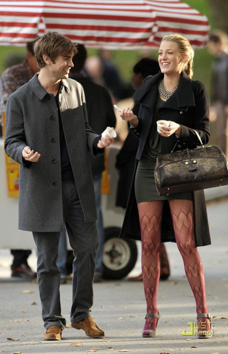 blake-lively-chace-crawford-ice-cream-11