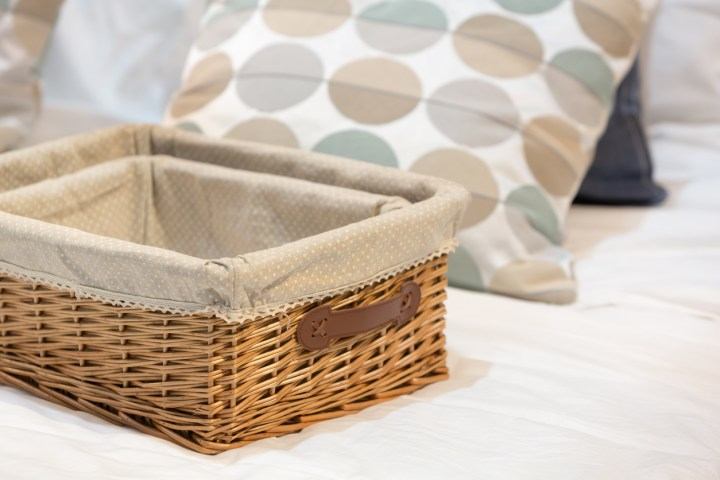 10 Steps to Decluttering Your Home
