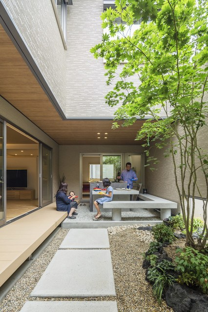 modern-patio (1).jpg