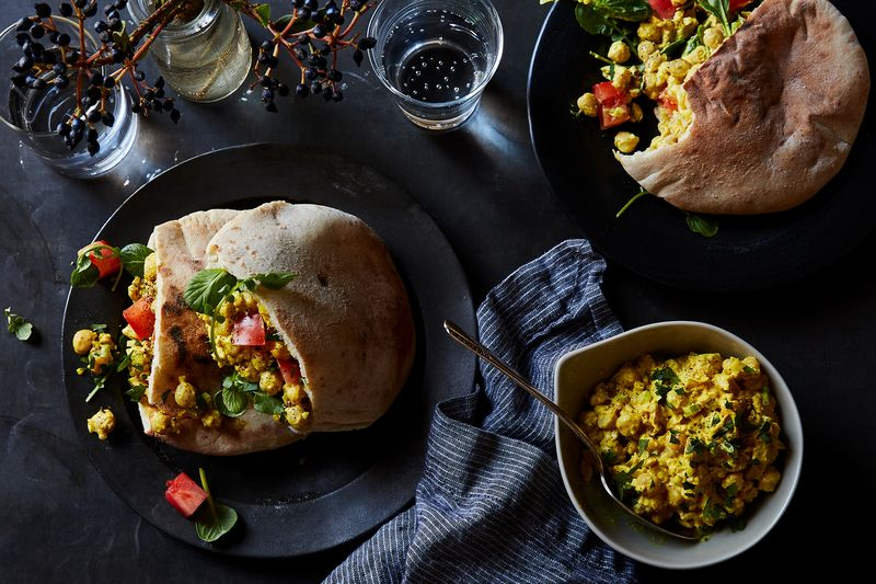 556c686d-d428-4e47-b0cf-cf10958aee29--2018-0501_curried-chickpea-spread-sandwich_3x2_bobbi-lin_8393.jpg