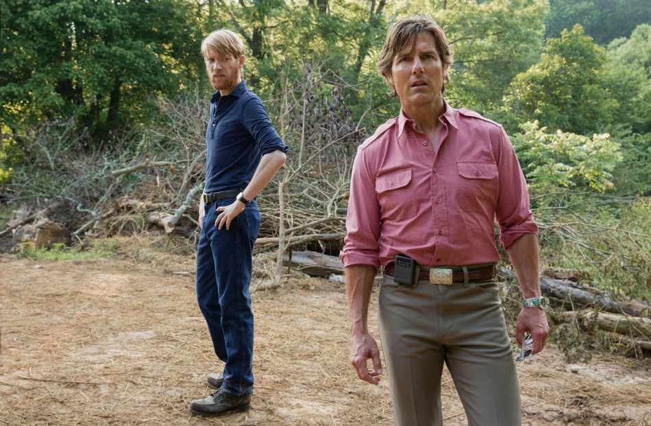 american_made_domhnall_gleeson_and_tom_cruise_credit_david_j.jpg
