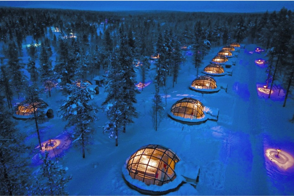 original_original_Igloos_view_from_air_Kakslauttanen_JPG.jpg