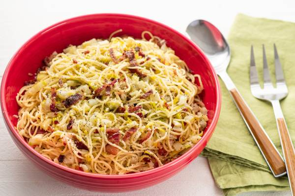 5-Ingredient Pasta / Katie Workman / themom100.com / Photo by Cheyenne Cohen