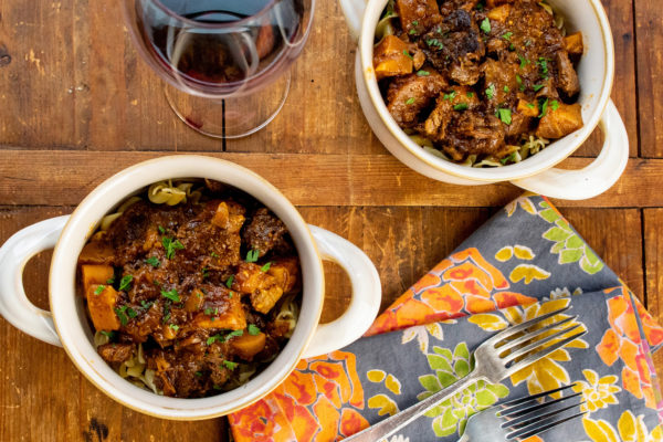 slow cooker bbq beef recipes / Photo by Cheyenne Cohen / Katie Workman / themom100.com