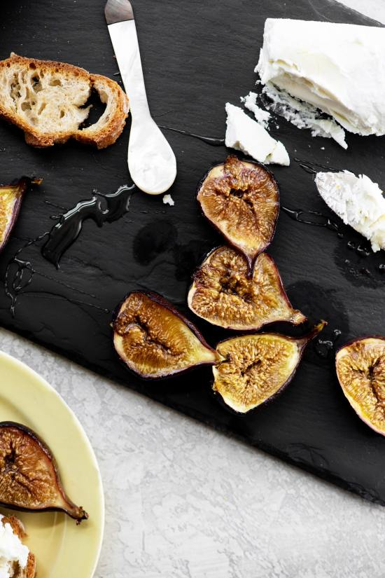 Honey Roasted Figs / Katie Workman / themom100.com / Photo by Cheyenne Cohen