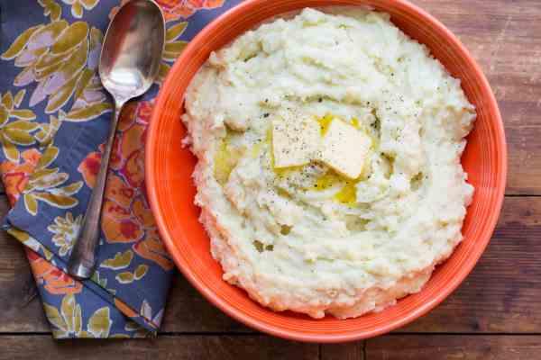Cheesy Mashed Potatoes / Sarah Crowder / Katie Workman / themom100.com
