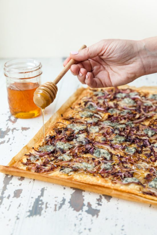 Blue Cheese, Radicchio, Onion and Honey Flatbread Strips / Carrie Crow / Katie Workman / themom100.com