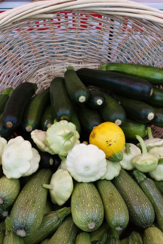 How Do I Choose Zucchini and Summer Squash? / Katie Workman / themom100.com