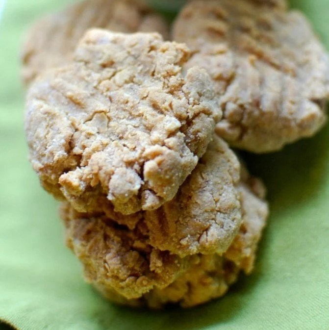 PEANUT BUTTER VEGAN LACTATION COOKIES