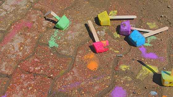 sidewalk paint chalk