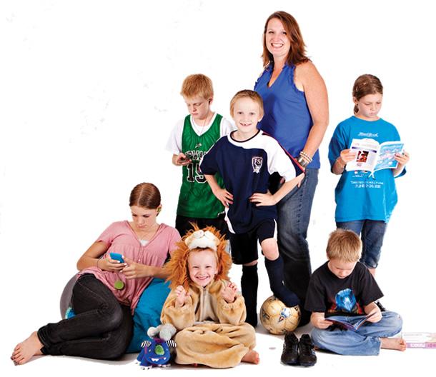 Jennifer Hatcher and her 6 children