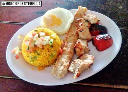 Special Chicken Chelo Kebab (P175): Ground chicken and chicken chunks skewered kebab-style, served with biryani rice and grilled tomatoes.