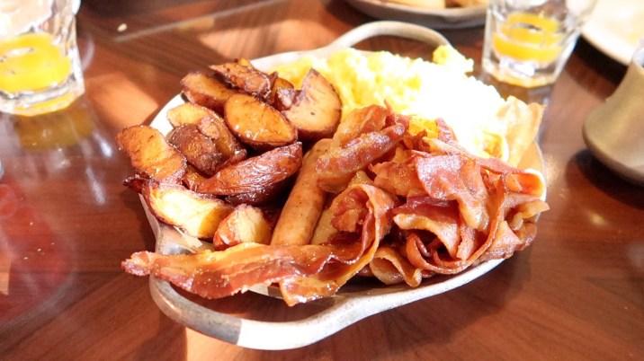 Top 5 reasons to visit 'Ohana | Walt Disney World Resort